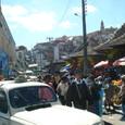 首都のアナラケリ市場